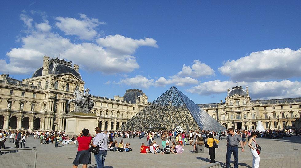 Bảo tàng Louvre- Tour Du Lịch Pháp