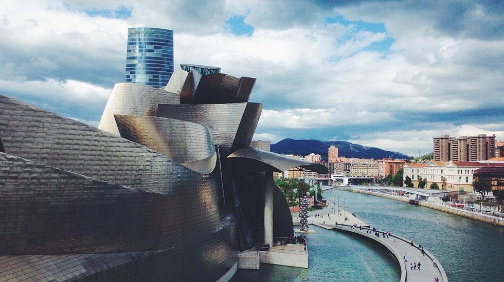 Bảo-tàng-Guggenheim - Tour Du Lịch Tây Ban Nha