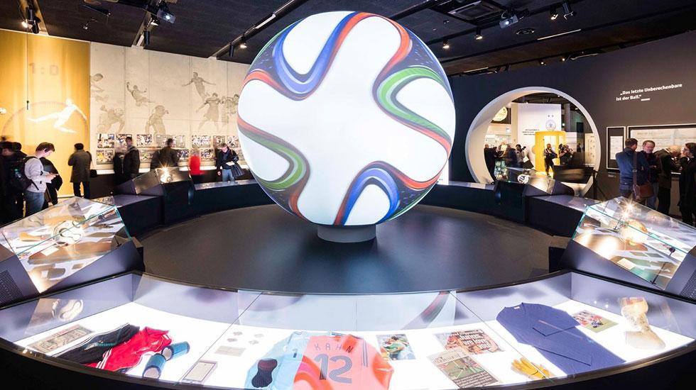 Bảo tàng bóng đá quốc giá Manschester - Tour tham quan Manchester 2