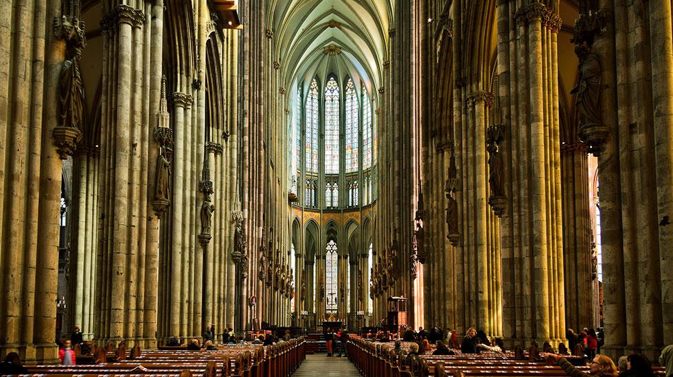 Bên trong nhà Thờ Domo Cologne - Du lịch Đức