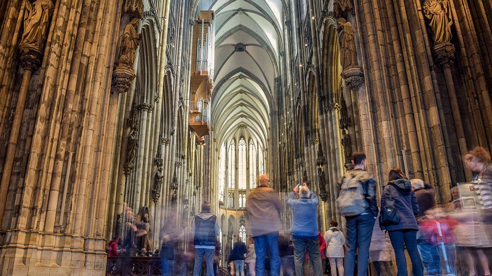 Bên trong nhà thờ Domo - Du lịch Đức