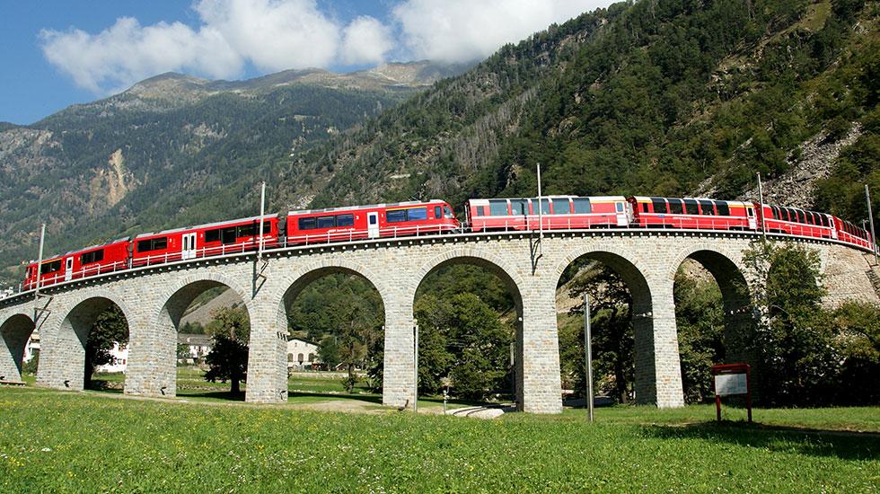 Bernia Railway-Du lịch Thụy Sĩ