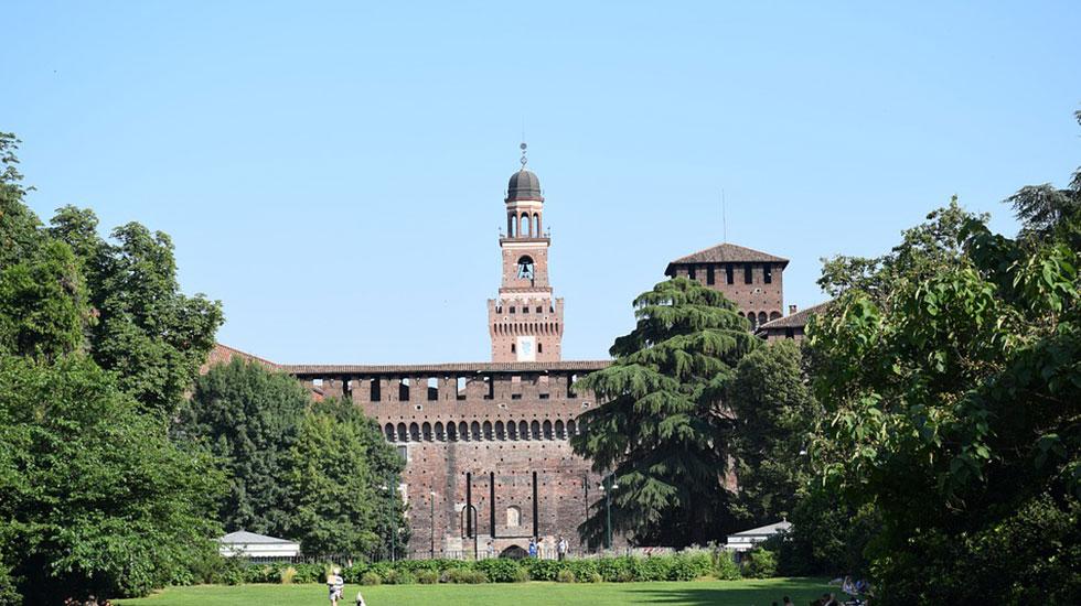 Castello-sforzesco -Tour Du Lịch Ý