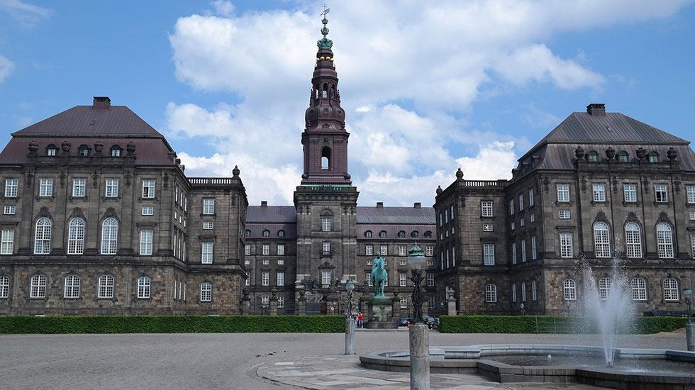 Castle Christianborg-Tour Du Lịch Đan Mạch