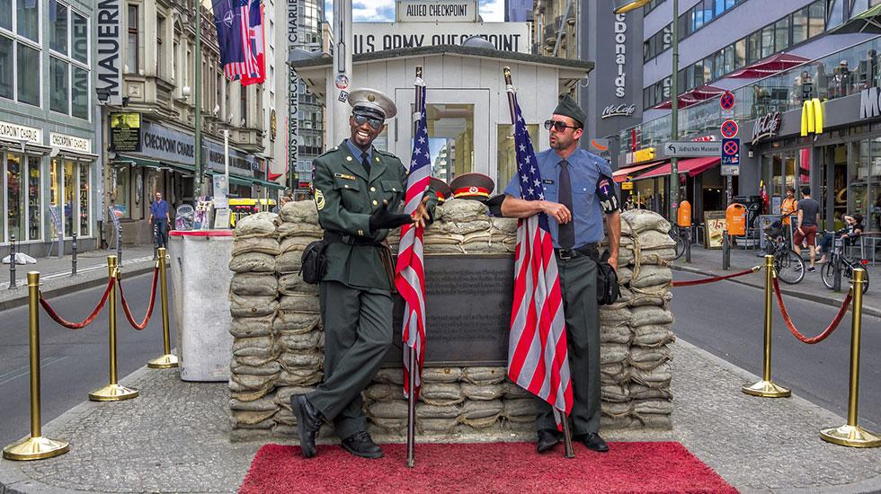 Checkpoint Charlie - Du lịch Đức