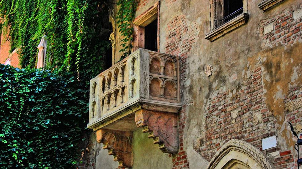Chiếc Ban Công nổi tiếng của nàng Juliete - Tour Du Lịch Ý