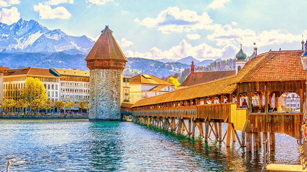 Chiếc cầu Chapel Lucerne - Tour Thụy SĨ giá rẻ