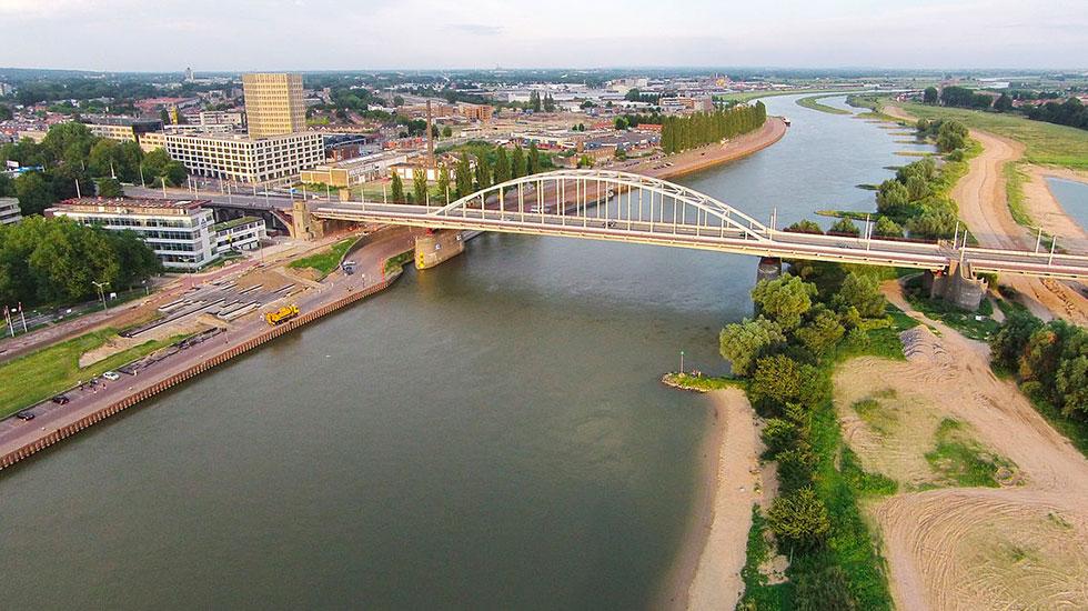 Chiếc cầu lịch sử John Frost Arnhem - Du lịch Hà Lan
