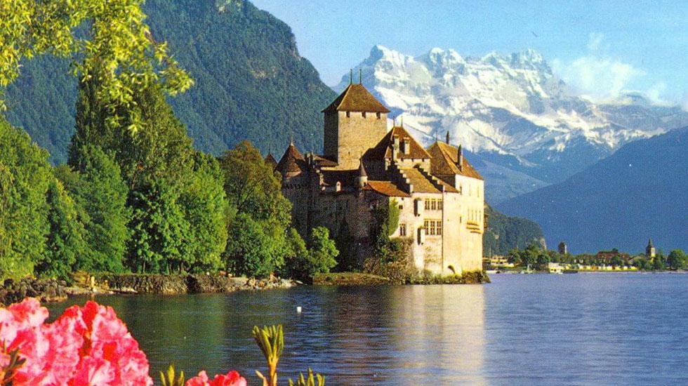 Chillon Castle - Du lịch Thụy Sĩ giá rẻ