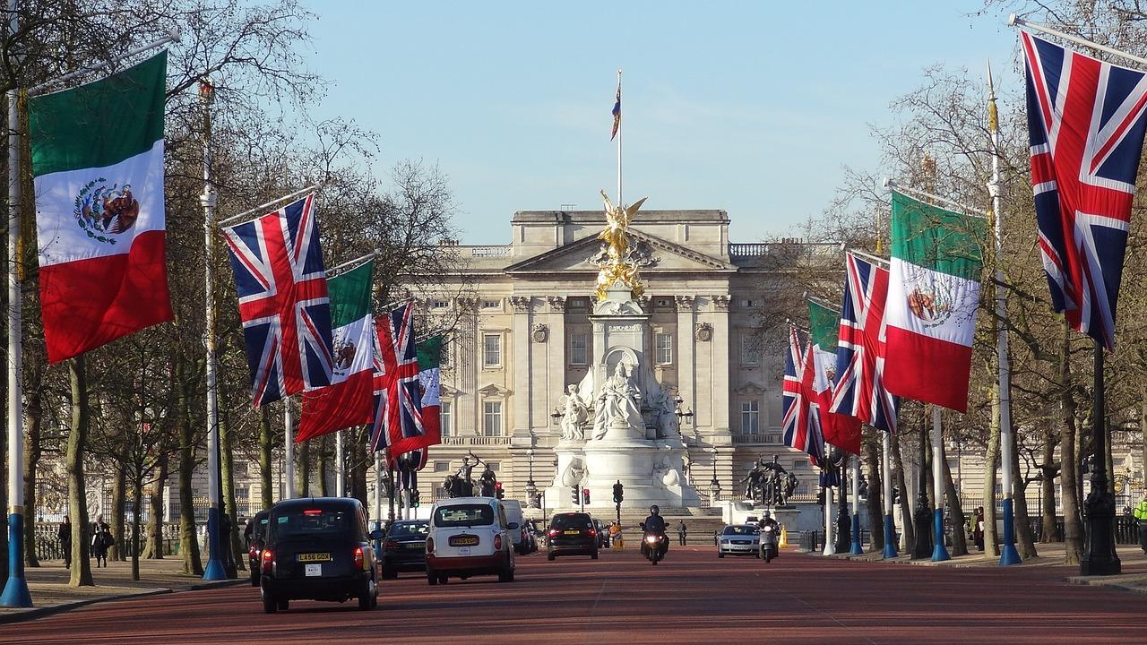 Cung điện Buckingham - Tour tham quan London