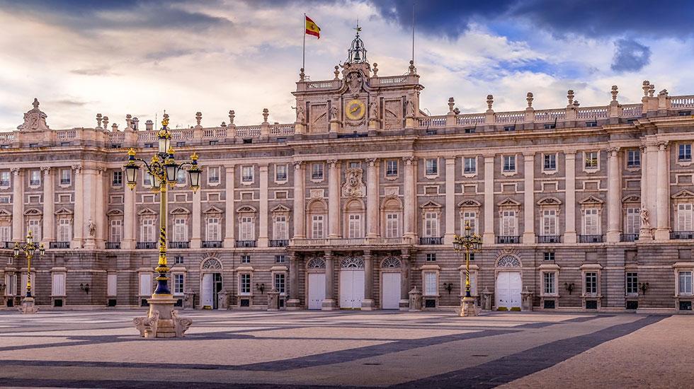 Cung-điện-Hoàng-Gia-Madrid - Tour Du Lịch Tây Ban Nha