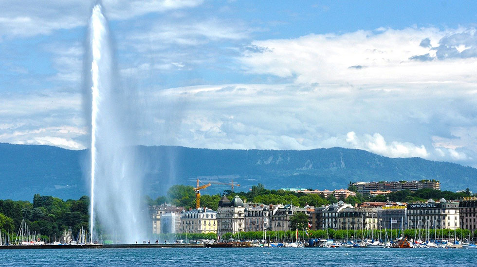 Đài phun nước cao nhất thế giới - Du lịch Thụy Sĩ giá rẻ