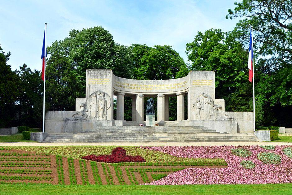Đài tưởng niệm Reims - Tour Du Lịch Pháp