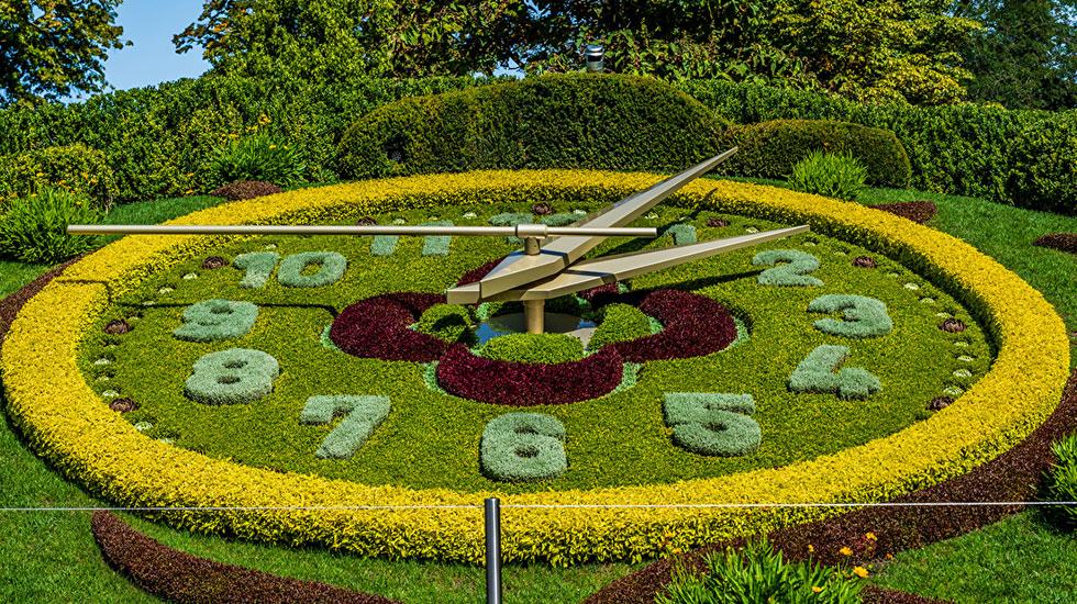 Đồng hồ kết bằng hoa khổng lồ - Du lịch Thụy Sĩ