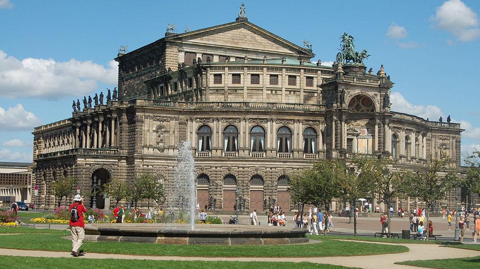 Dresden Opera - Du lịch Đức