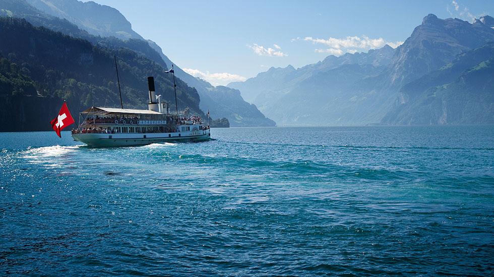 Du thuyền trên sông Lucerne - Du lịch Thụy Sĩ