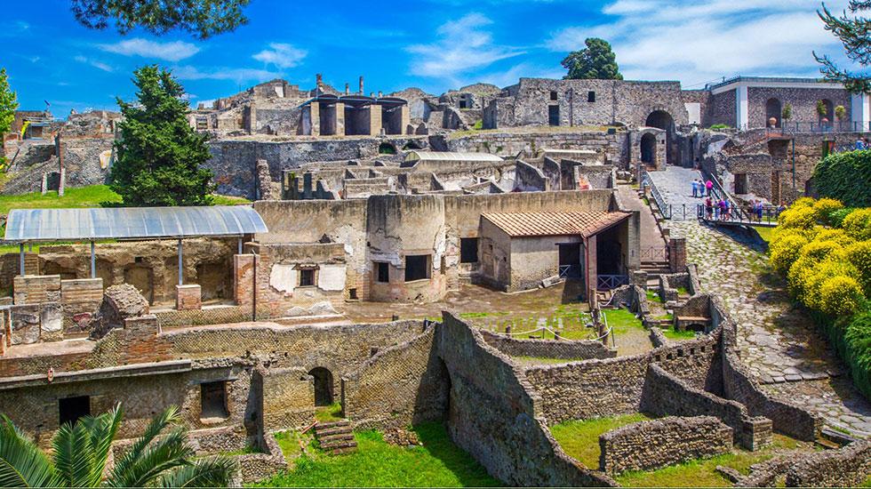 Feature-image-Ancient-Pompeii - Tour Du Lịch Ý