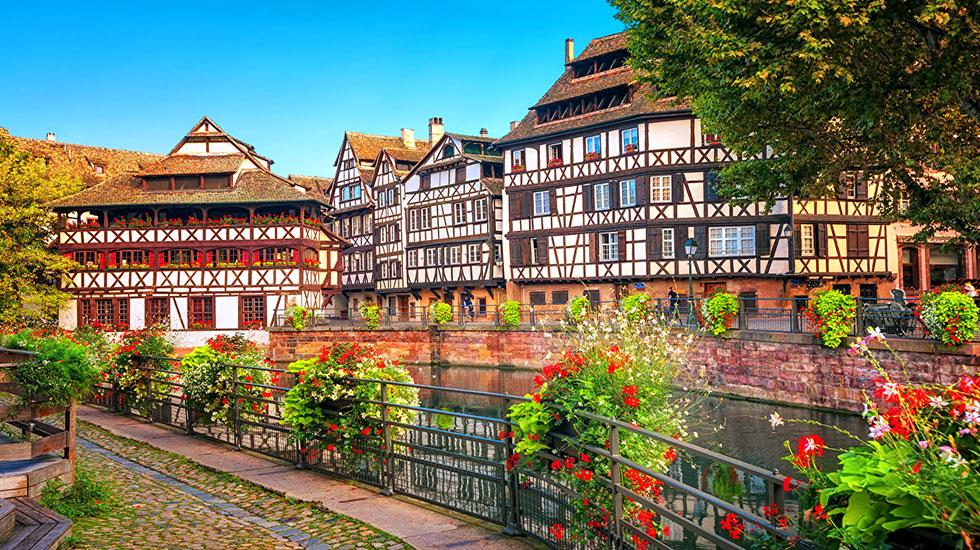 France_Strasbourg_Houses_Rivers_Fence_Shrubs - Tour Du Lịch Pháp
