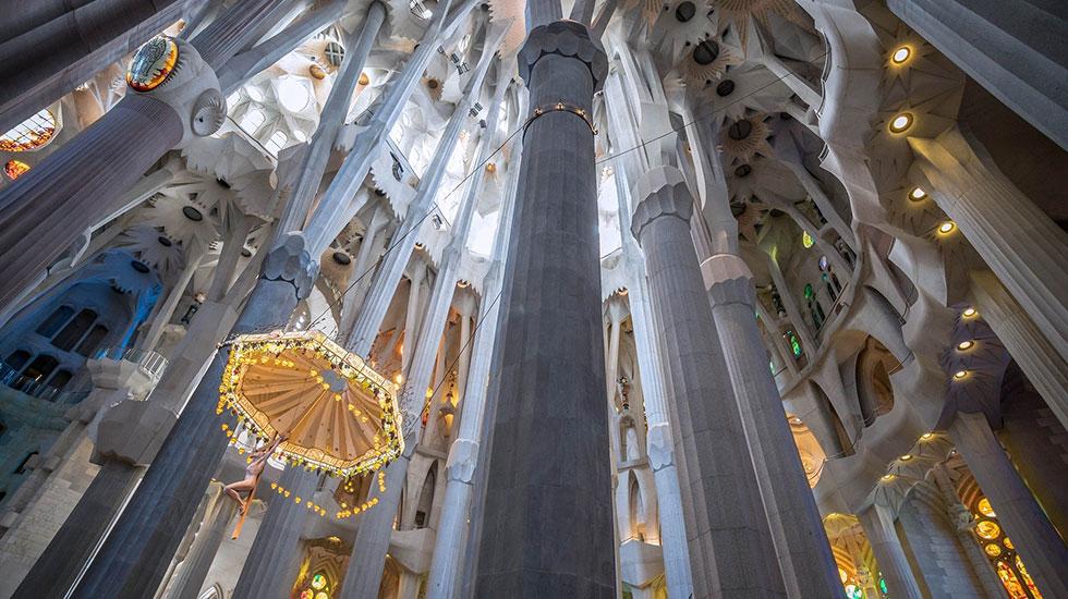 Kiến-trúc-bên-trong-Nhà-Thờ-Sagrada-Familia Barcelona - Tour Du Lịch Tây Ban Nha