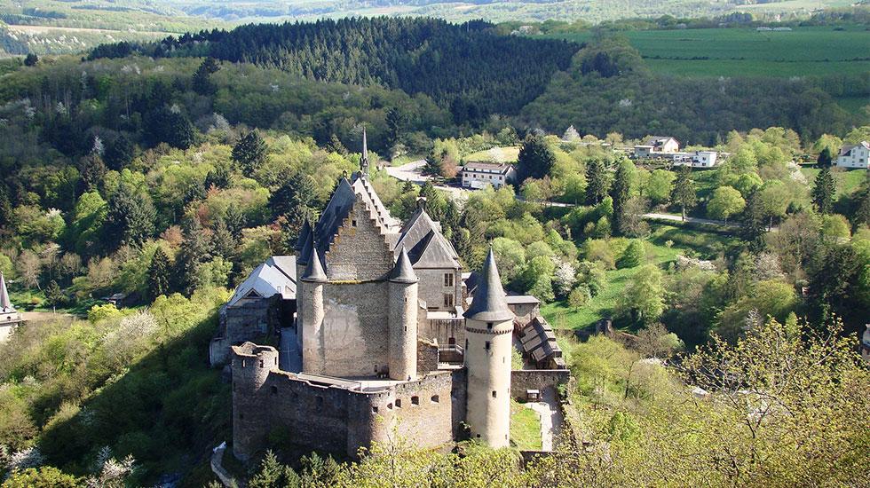 Lâu đài Vianden - Tour Du Lịch Luxembourg