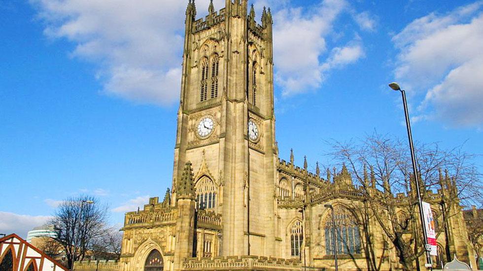Manchester Cathedral- Tour du ịch tham quan Manschester