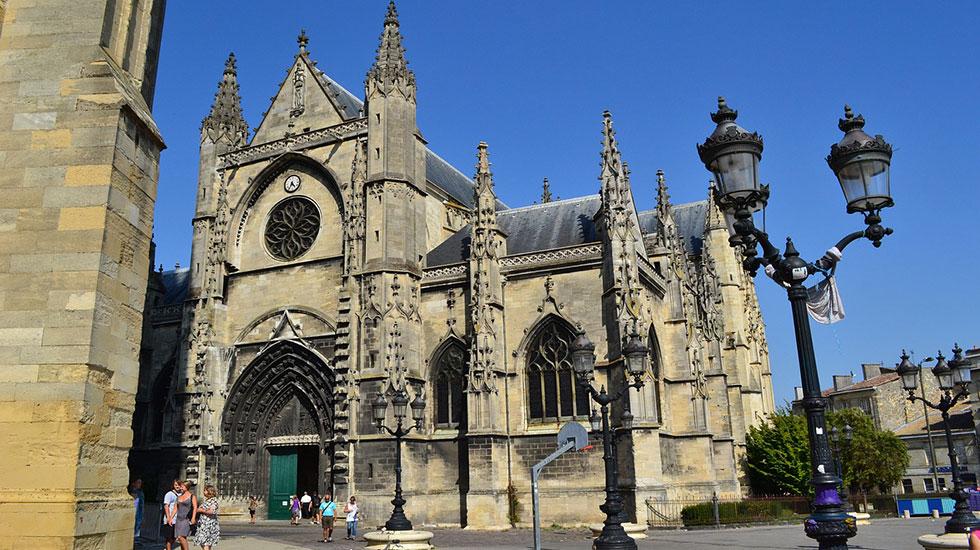 Nhà-thờ-Bordeaux- Tour Du Lịch Pháp