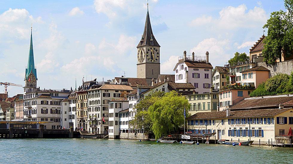 Nhà thờ St.Peter với mặt đồng hồ lớn nhất Châu Âu - Tham quan Thụy Sĩ