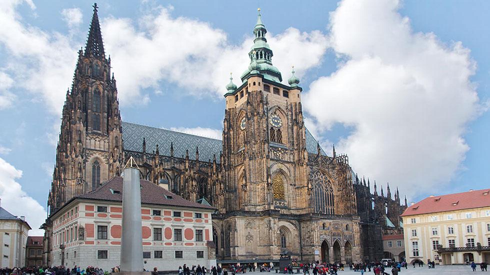 Nhà-thờ-Vitus-Praha - Tour Du Lịch Cộng Hòa Séc