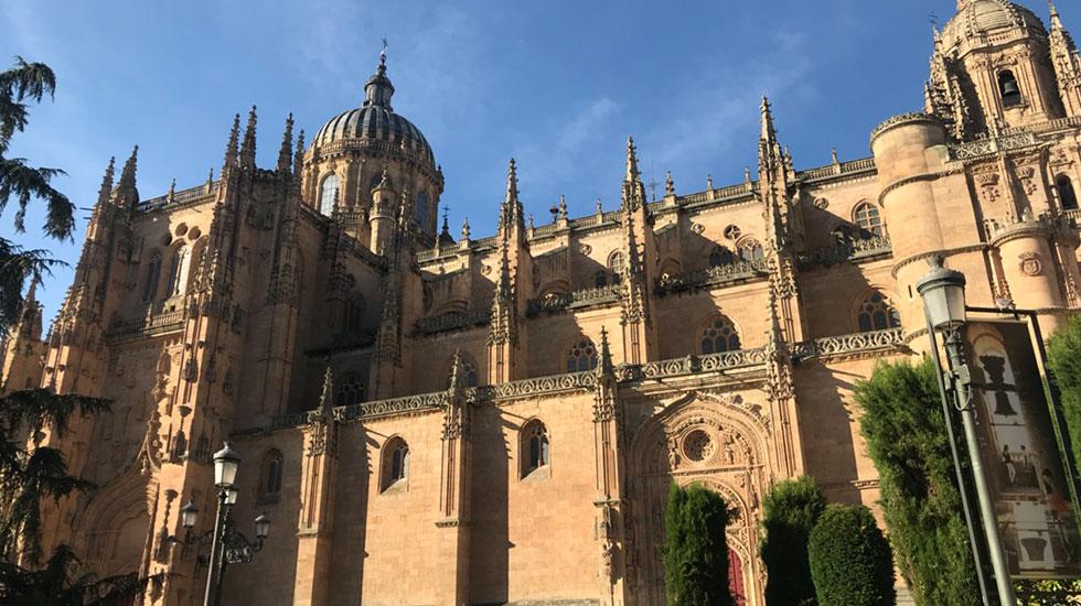 Nhà-thờ-cổ-Salamaca-1- Tour Du Lịch Bồ Đào Nha