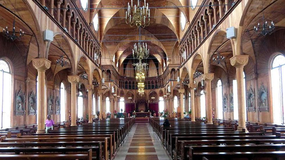 Nhà-thờ-thánh-Phero-và-Phaolo - Tour Du Lịch Cộng Hòa Séc 3