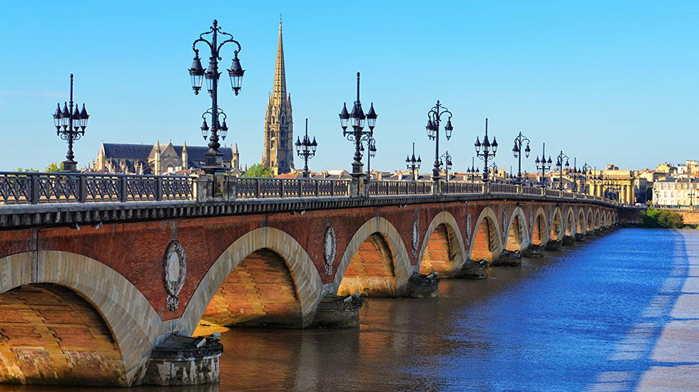 Pont de Pierre Bordeaux - Tour Du Lịch Pháp