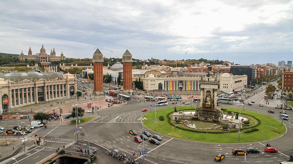 Quảng-Trường-Đấu-Bò-Arena-Barcelona - Tour Du Lịch Tây Ban Nha