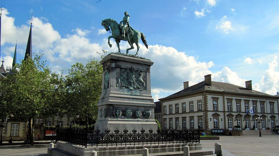 Quảng-trường--Guillaume-II - Tour Du Lịch Luxembourg