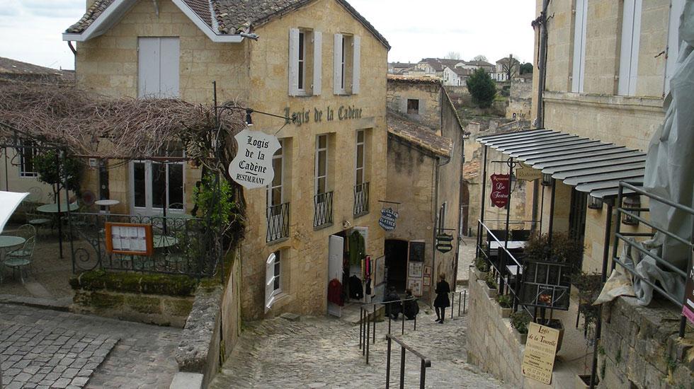 Saint-Emilion Bordeaux - Tour Du Lịch Pháp