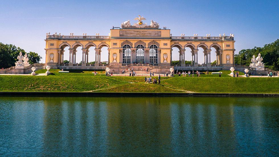 Schonnenbrunn Palace - Du lịch Áo
