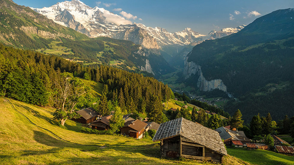 Switzerland_Mountains_Houses_Forests_Wengen