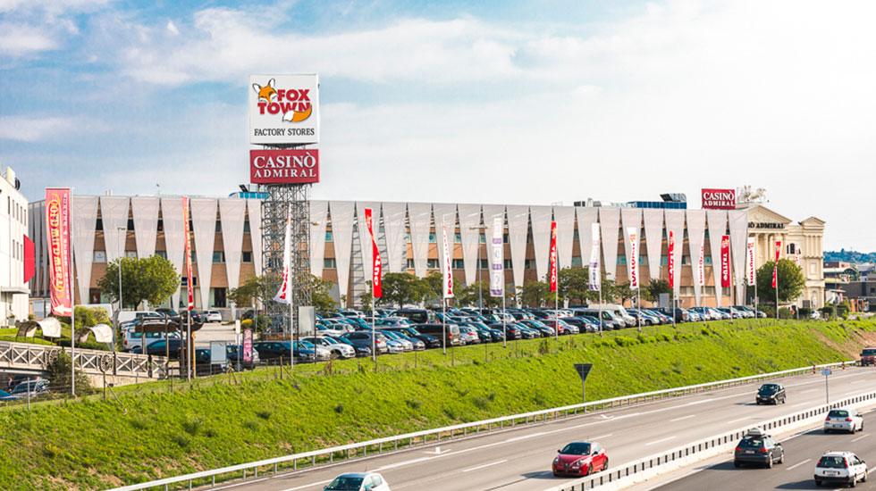 Trung tâm mua sắm Foxtown-Tour Thụy Sĩ giá rẻ