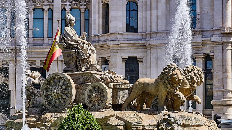 Tượng-đài-Cibeles-tại-quảng-trường-Madrid - Tour Du Lịch Tây Ban Nha