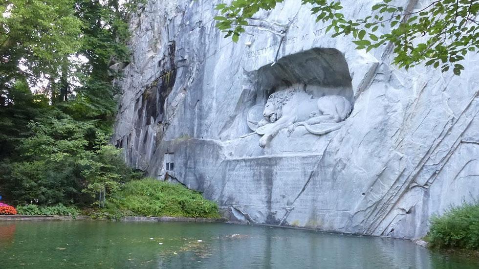 Tượng sư tử hấp hối - Tham quan Thụy Sĩ