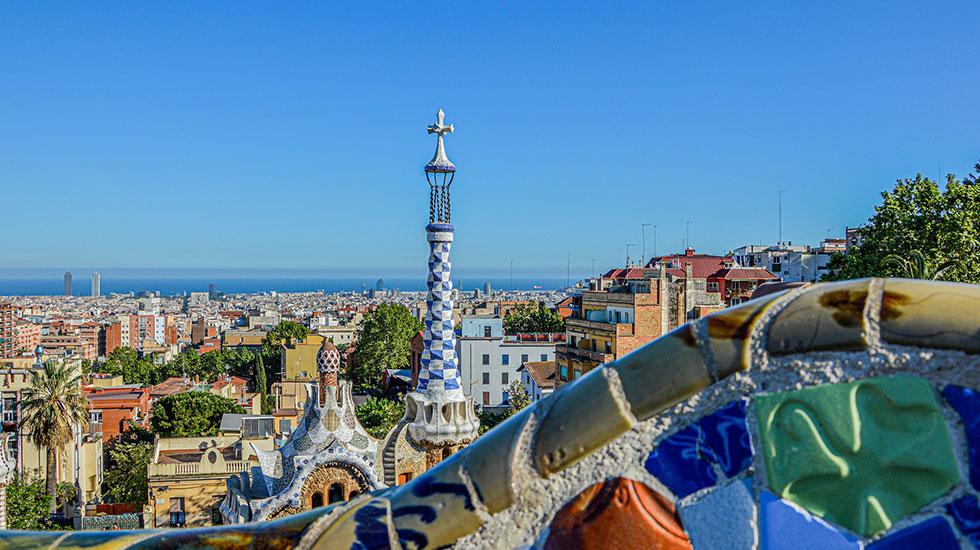 Công-viên-kiến-trúc-Gaudi - Tour Du Lịch Tây Ban Nha
