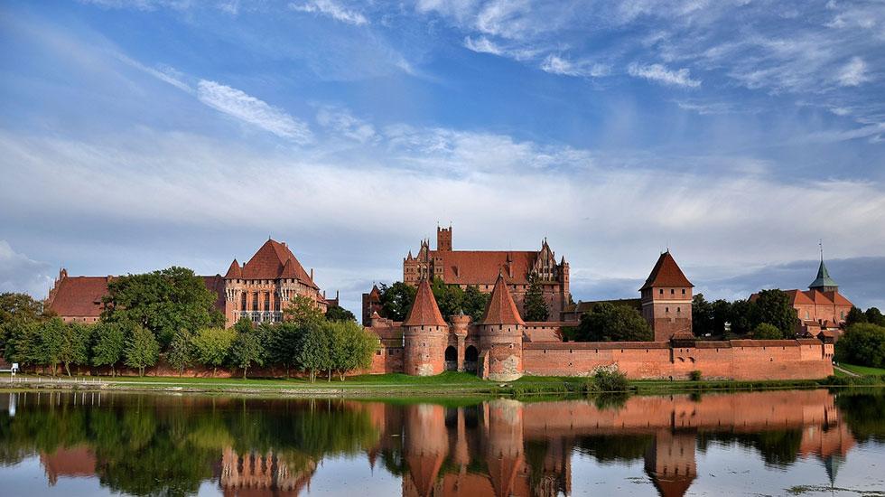 Lâu đài Little Marienburg - Tour Du Lịch Litva
