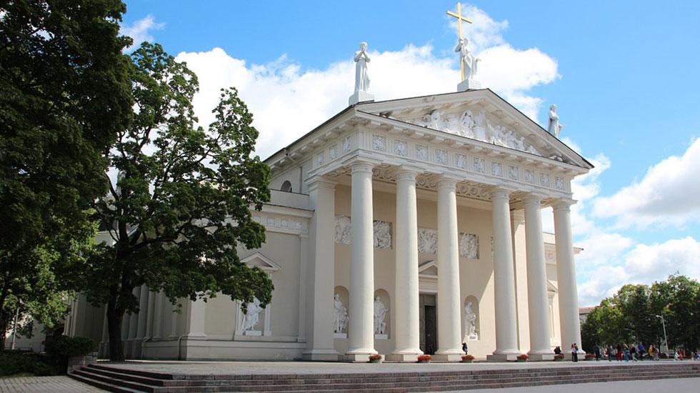 Nhà-thờ-chánh-tòa-vilnius - Tour Du Lịch Litva