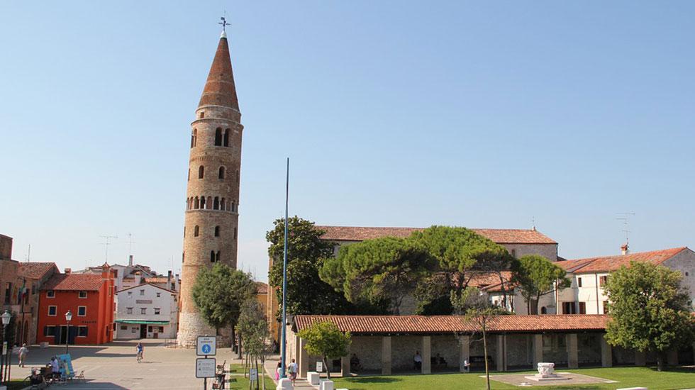 Tháp chuông Campanile - Tour Du Lịch Ý