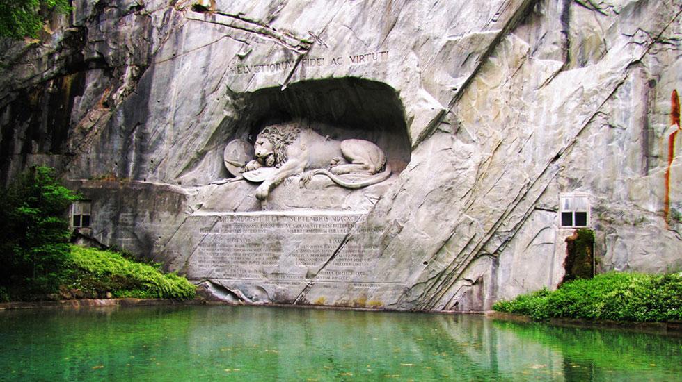 Tượng đìa sư tử hấp hối - Du lịch Thụy Sĩ