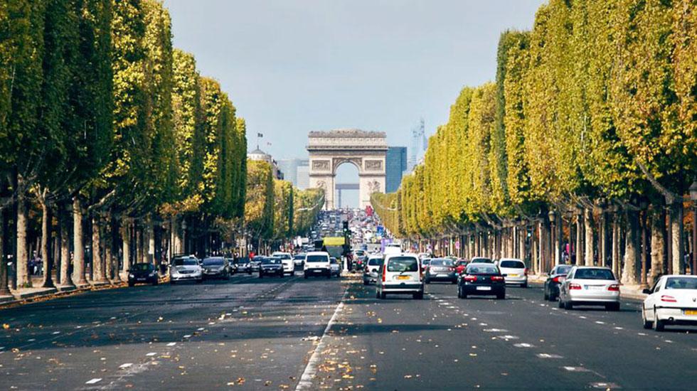 Dai-lo-Champs-Elysees-Tour-Du-Lich-Phap-2