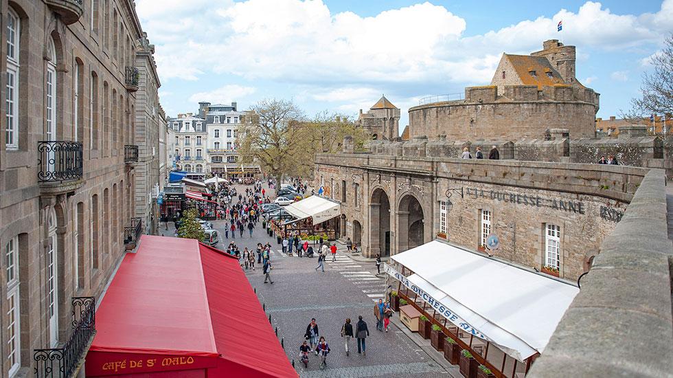 F_Saint-Malo_Grande-Porte_credits_Hilke-Maunder- Tour Du Lịch Pháp