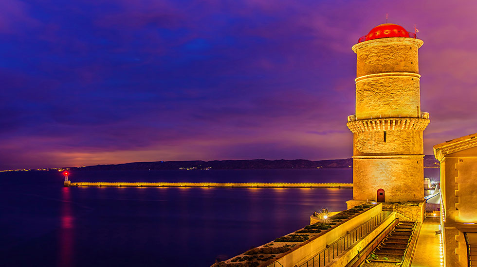 Ngọn-hải-đăng-Digue-Sainte-Marie Marseille - Tour Du Lịch Pháp