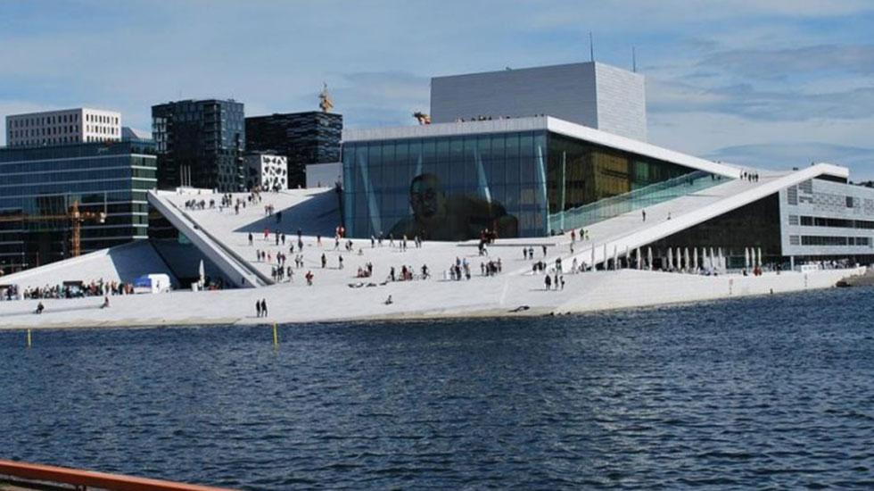Nhà-hát-quốc-gia-Oslo - Tour Du Lịch Na uy