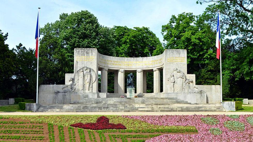 Đài-tưởng-niệm-Reims-2