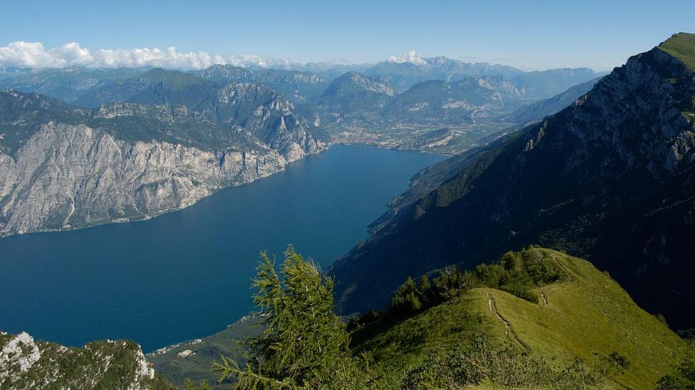 Garda Lake - Tour Du Lịch Ý